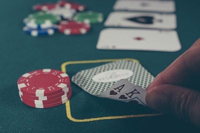 آموزش بازی بلک جک یا (21) + تعریف اصطلاحات و ترفندهای بازی بلک جک