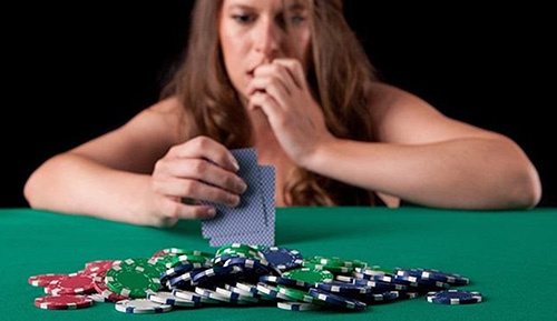 مهمترین توصیه ها و نکات بازی پوکر + استراتژی شرط بندی در بازی پوکر
