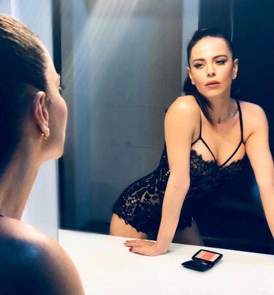 عکس های خفن سیمگه ساغین خواننده معروف ترکیه