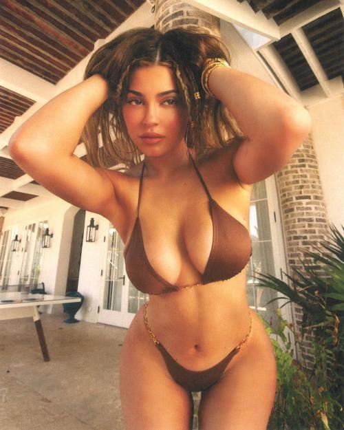 عکس های سکسی کایلی جنر مدل معروف آمریکایی