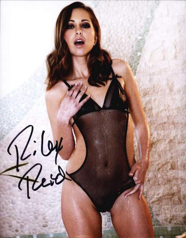 رایلی رید بازیگر فیلم پورن آمریکایی Riley Reid