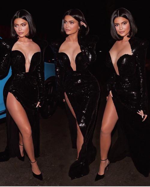 25 عکس داغ از کایلی جنر 18+ «Kylie Jenner» به همراه بیوگرافی کامل