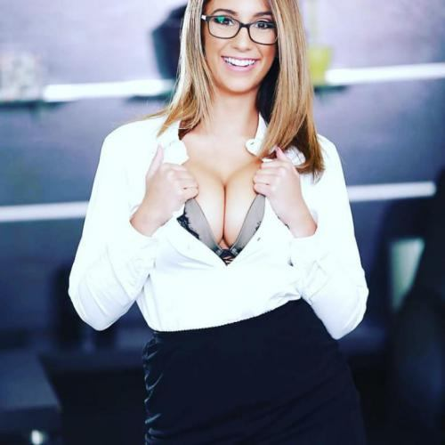 بیوگرافی لیلا لندن (Layla London) بازیگر پورن مشهور + عکس